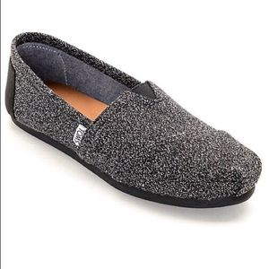 TOMS black and white speckled
